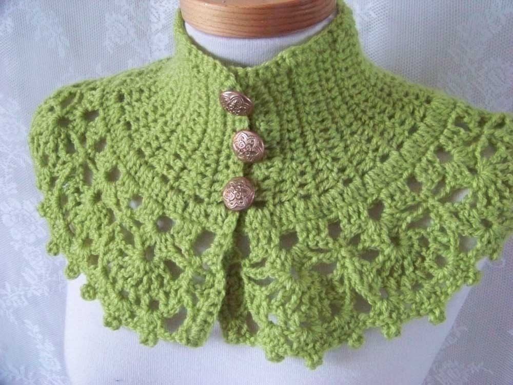 Tilli Tomas Crochet Twilight Capelet Pattern at Dream Weaver Yarns LLC